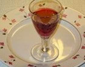 Барбарисова настоянка на горілці, самогоні, спирті фото