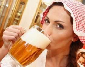 Як розрізнити симптоми пивного алкоголізму у жінок? фото