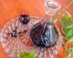 Черничная настоянка на горілці або спирті - прості рецепти фото