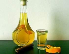 Цитрусові лікери: апельсиновий, мандариновий і з лимонних скоринок фото