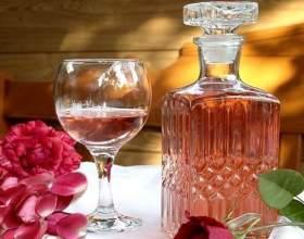 Квіткове вино з пелюсток троянд в домашніх умовах фото