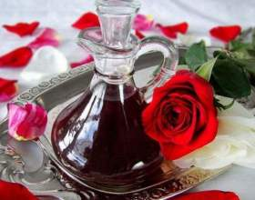 Робимо настоянку з пелюсток троянд на горілці фото