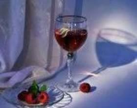 Домашнє вино з малини фото
