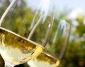 Домашнє вино з морошки фото