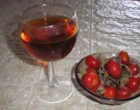 Домашнє вино з шипшини фото