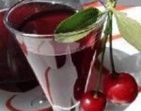 Домашнє вишневе вино фото