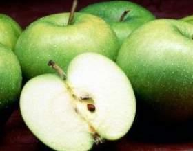 Домашні настоянки і вино з яблук фото