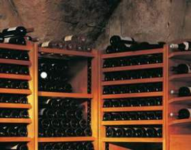 Як правильно зберігати вино фото