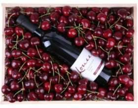 Як приготувати домашнє вино з черешні. Рецепт фото