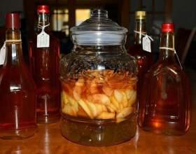 Як приготувати яблучний і айвовий лікер фото