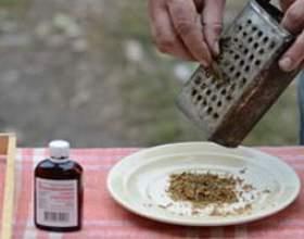 Як приготувати настоянку прополісу і як правильно полоскати їй горло? фото
