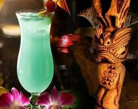 Коктейлі «гавайський мікс» та «мартіні мікс» фото