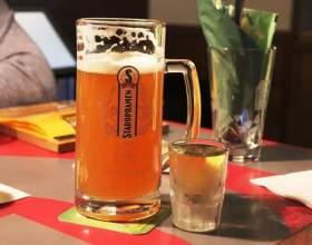 Чи можна пити горілку з пивом? фото