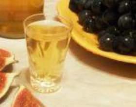 Настоянка інжиру на горілці (самогоні, спирті) фото