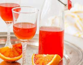 Настоянка спирту на апельсинах і апельсинових кірках фото