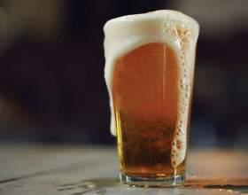 Пиво з житнього борошна з медом і цукром фото