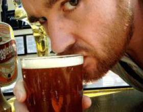 Чому іноді так хочеться випити пива? фото