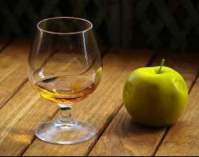 """Детально про те, як зробити """"кальвадос"""" в домашніх умовах з використанням яблук фото"""