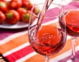 Прості рецепти домашнього полуничного вина фото