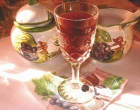 Рецепт домашньої полуничною наливки фото