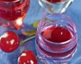 Рецепт вишневої горілки (лікеру) фото