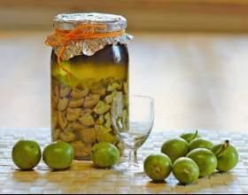 Рецепти домашніх настоянок з волоськими горіхами фото