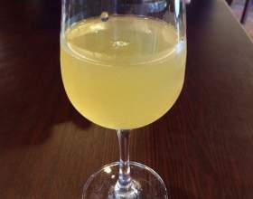 Рецепти, як зробити вино з родзинок фото