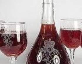 Саморобний суничне вино фото