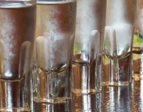 Поради: як зробити горілку зі спирту фото