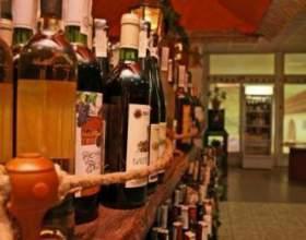 Термін придатності та зберігання вина фото