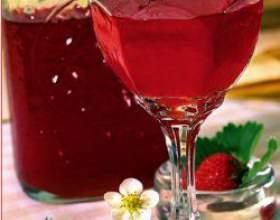 Вино з полуниці в домашніх умовах фото