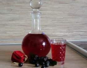 Виноградна настоянка на горілці фото