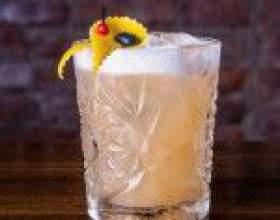 Віскі сауер (whiskey sour) - ідеальний баланс алкоголю і цитруса фото