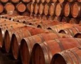 Вибираємо ємність для бродіння вина фото