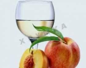 Вино з персиків фото