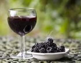 Вино з шовковиці фото